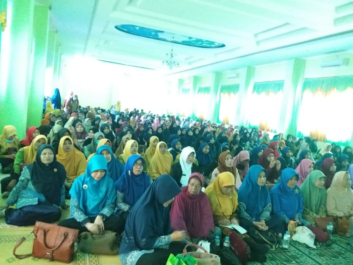 600 Warga Aisyiyah Ikuti Pembukaan Nobar Sembilan Putri Sejati di Aula MI Muh Karanganyar